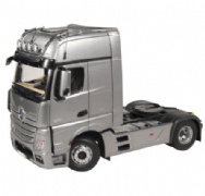 NZG 1:18 Scale Mercedes Benz Actros 2 Gigaspace 4x2 FH25 silver